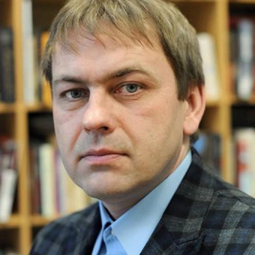 Devyniasdešimtųjų muzikos žurnalistas Julius Girdvainis