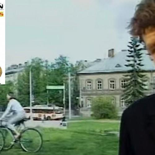 """Biplan """"Braškių"""" pristatymas 1998 metais"""