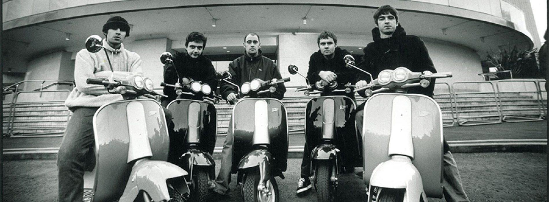 """Kaip """"Oasis"""" """"Brit Awards"""" ceremonijoje glamžė draugužes"""