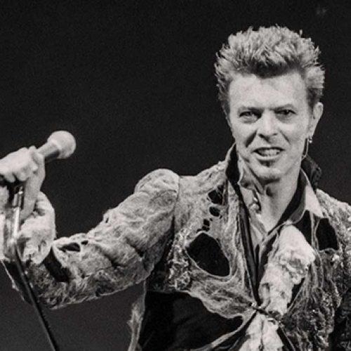 Ko 1996 metais bijojo Davidas Bowie?